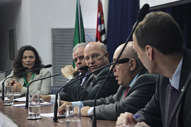 Participaram da reunião anterior a reitora da Unifesp, Soraya Smaili;reitores da UFABC, Klaus Capelle e IFSP, Eduardo Antonio Modena e o pró-reitor da UFSCar, Mauro Rocha Cortês